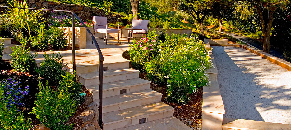 Outdoor Living Tile Staircase